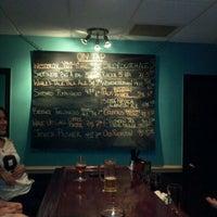 Снимок сделан в Coleman Public House Restaurant & Tap Room пользователем mattygroves 11/13/2011