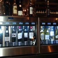 Foto tirada no(a) The Tasting Room por 👑 Courtney Y. em 3/24/2012