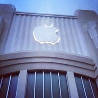 9/6/2012にKayshaがApple Lincoln Roadで撮った写真