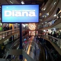 รูปภาพถ่ายที่ Entretenimientos Diana โดย Julio N. เมื่อ 6/8/2012