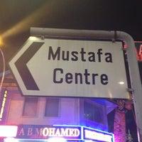 Das Foto wurde bei Mustafa Centre von John A. am 11/8/2011 aufgenommen