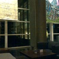 Foto scattata a Lobby da Robert M. il 3/9/2012