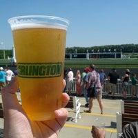6/9/2012 tarihinde Jeffziyaretçi tarafından Arlington International Racecourse'de çekilen fotoğraf