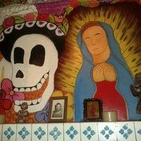 Foto diambil di Los Amates Mexican Kitchen oleh Sebastian B. pada 9/17/2011