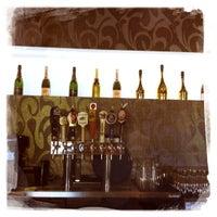 6/23/2012 tarihinde Marissaziyaretçi tarafından Eden Burger Bar'de çekilen fotoğraf