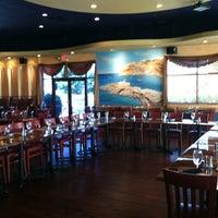 Foto scattata a Nick's Taverna da Stephanie il 8/14/2012