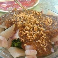 3/25/2012 tarihinde Nobuko K.ziyaretçi tarafından Sanuria Restaurant'de çekilen fotoğraf