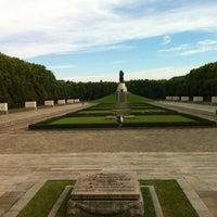 9/2/2012にDerek N.がTreptower Parkで撮った写真