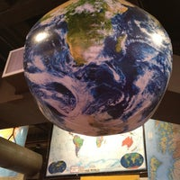 Das Foto wurde bei Metsker Maps von Kris I. am 2/19/2012 aufgenommen