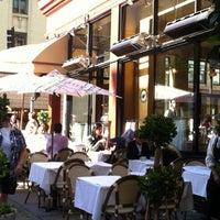 Das Foto wurde bei Café de la Presse von Stephan P. am 6/12/2012 aufgenommen