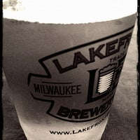 Photo prise au Lakefront Brewery par Kayla W. le5/11/2012