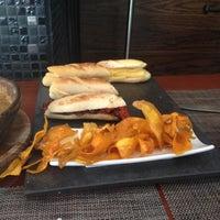 Foto scattata a A Boleo Tapas Bar da José C. il 11/23/2012
