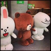 รูปภาพถ่ายที่ AppBank Store 新宿 โดย kame k. เมื่อ 10/6/2013