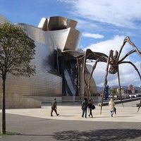 Foto tomada en Museo Guggenheim por Cultura Espanhola el 2/14/2013