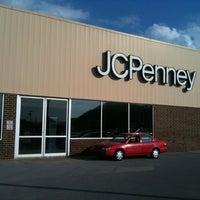 รูปภาพถ่ายที่ JCPenney โดย Kelley S. เมื่อ 8/9/2013