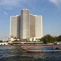 1/1/2013 tarihinde Gift G.ziyaretçi tarafından Royal Orchid Sheraton Hotel & Towers'de çekilen fotoğraf