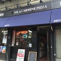 Das Foto wurde bei Sal & Carmine's Pizza von Michael H. am 4/8/2014 aufgenommen