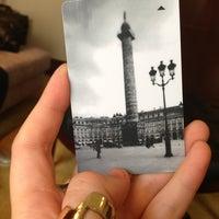 Photo prise au Park Hyatt Paris-Vendome par Juliet A. le7/25/2013