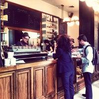 Das Foto wurde bei Stumptown Coffee Roasters von Lisa P. am 9/24/2012 aufgenommen