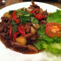 Das Foto wurde bei Blue Mint Thai & Asian Cuisine von Regina P. am 12/2/2012 aufgenommen