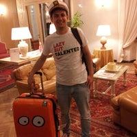 Das Foto wurde bei Hotel Astoria von Roman K. am 4/13/2013 aufgenommen