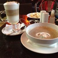 11/19/2012 tarihinde Darina Y.ziyaretçi tarafından Питькофе Шахматы'de çekilen fotoğraf