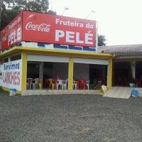 Foto tirada no(a) Fruteira do Pelé por Marjarah V. em 12/13/2012