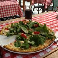 11/29/2012 tarihinde Salva F.ziyaretçi tarafından Pizano Pizzeria'de çekilen fotoğraf