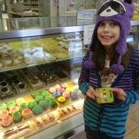 Foto tirada no(a) Ambrosia Bakery por Tom B. em 3/8/2013