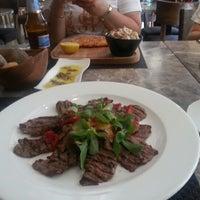 รูปภาพถ่ายที่ Lasagrada Brasserie โดย Aşkım T. เมื่อ 5/3/2013