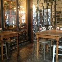 4/29/2013에 Ayşegül U.님이 The House Café에서 찍은 사진