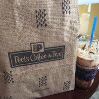 Foto scattata a Peets Coffee & Tea da Brambleton B. il 4/22/2015