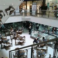 Foto tirada no(a) Miramar Shopping por Amanda P. em 1/24/2013