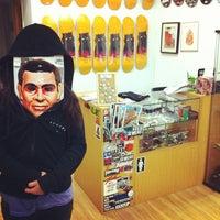 12/19/2013にMaria B.がSewers Skateshopで撮った写真