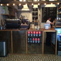 Das Foto wurde bei Birch Coffee von Vanessa B. am 9/2/2014 aufgenommen