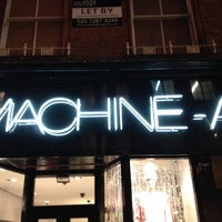 Photo prise au MACHINE-A par Christos S. le12/2/2013
