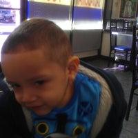 12/20/2012 tarihinde Arlet L.ziyaretçi tarafından Las Pupusas'de çekilen fotoğraf