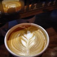 Foto scattata a Manhattanville Coffee da Nicole B. il 10/4/2014