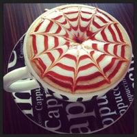 Снимок сделан в Best Coffee House пользователем Sezen Ç. 2/13/2013