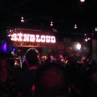 Photo prise au Pete's Dueling Piano Bar par John C. le10/16/2013