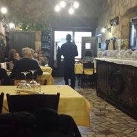 Foto tirada no(a) La Grotta por Michele B. em 11/24/2013