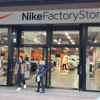 on sale c51a9 9e81c Nike Factory Store - Negozio di articoli sportivi in Castel ...