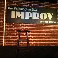 Photo prise au DC Improv Comedy Club par Dennis C. le12/21/2012