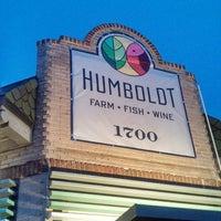 Снимок сделан в Humboldt Farm Fish Wine пользователем Gary M. 10/12/2013