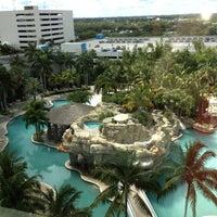 Foto diambil di Seminole Hard Rock Hotel & Casino oleh Selina C. pada 5/4/2013