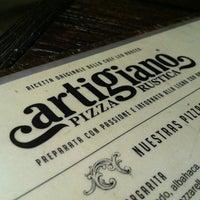 Foto diambil di Artigiano Pizza Rústica oleh FRANCISCO V. pada 3/9/2013