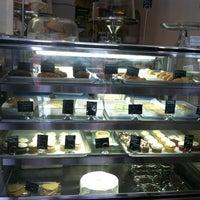 3/23/2013 tarihinde Teresa R.ziyaretçi tarafından Blossom Bakery'de çekilen fotoğraf