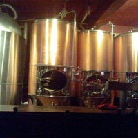 รูปภาพถ่ายที่ Los Muertos Brewing โดย Yoy R. เมื่อ 12/30/2012