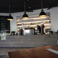 3/21/2014에 Éamonn Ó.님이 Established Coffee에서 찍은 사진