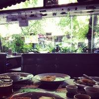 Foto diambil di La Vraie Ambiance Cafe & Restaurant oleh Funda S. pada 5/12/2013